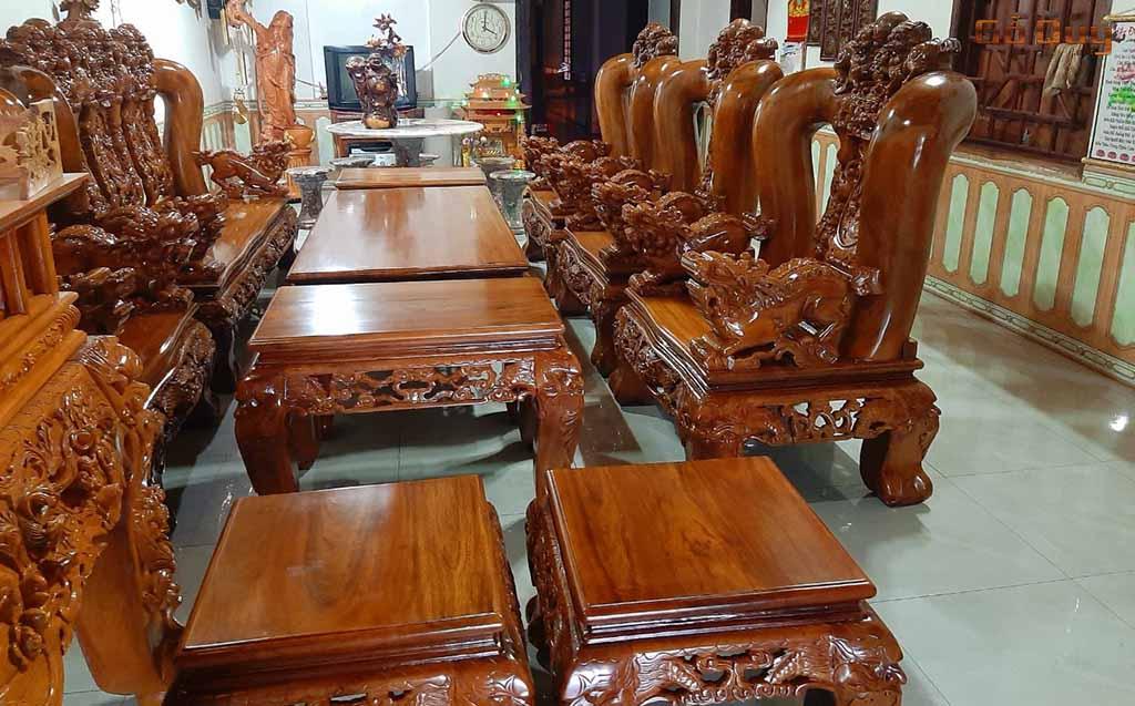 Bàn ghế từ gỗ lim