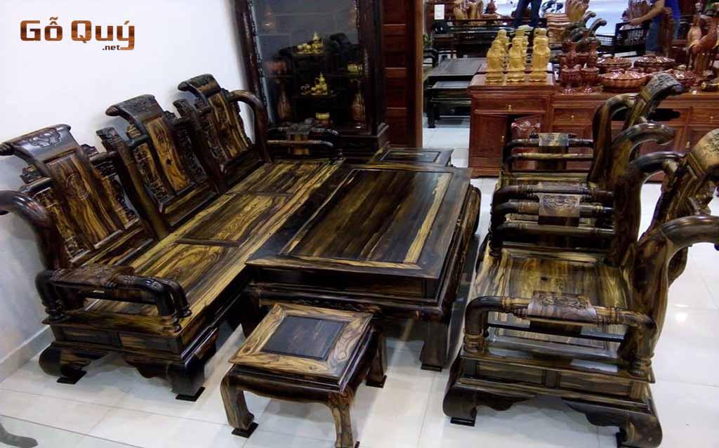 Bàn ghế từ gỗ mun